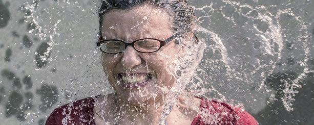 Újabb veszélyes őrület a forró vizes kihívás